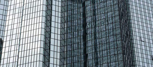 Deutsche Bank simulates a crisis scenario